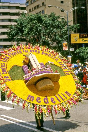 Feria de las flores 3 al 12 de agosto buena esa for Silletas para ninos