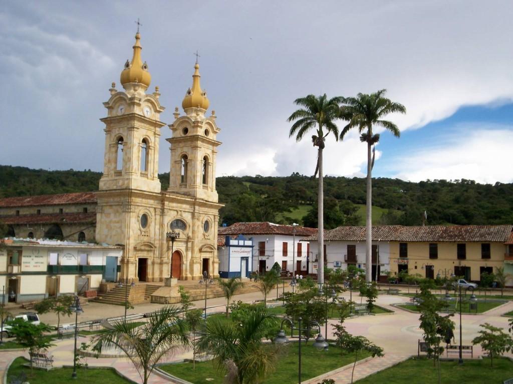 SUAITA / Antigua PROVINCIA COMUNERA / SANTANDER. Parque principal
